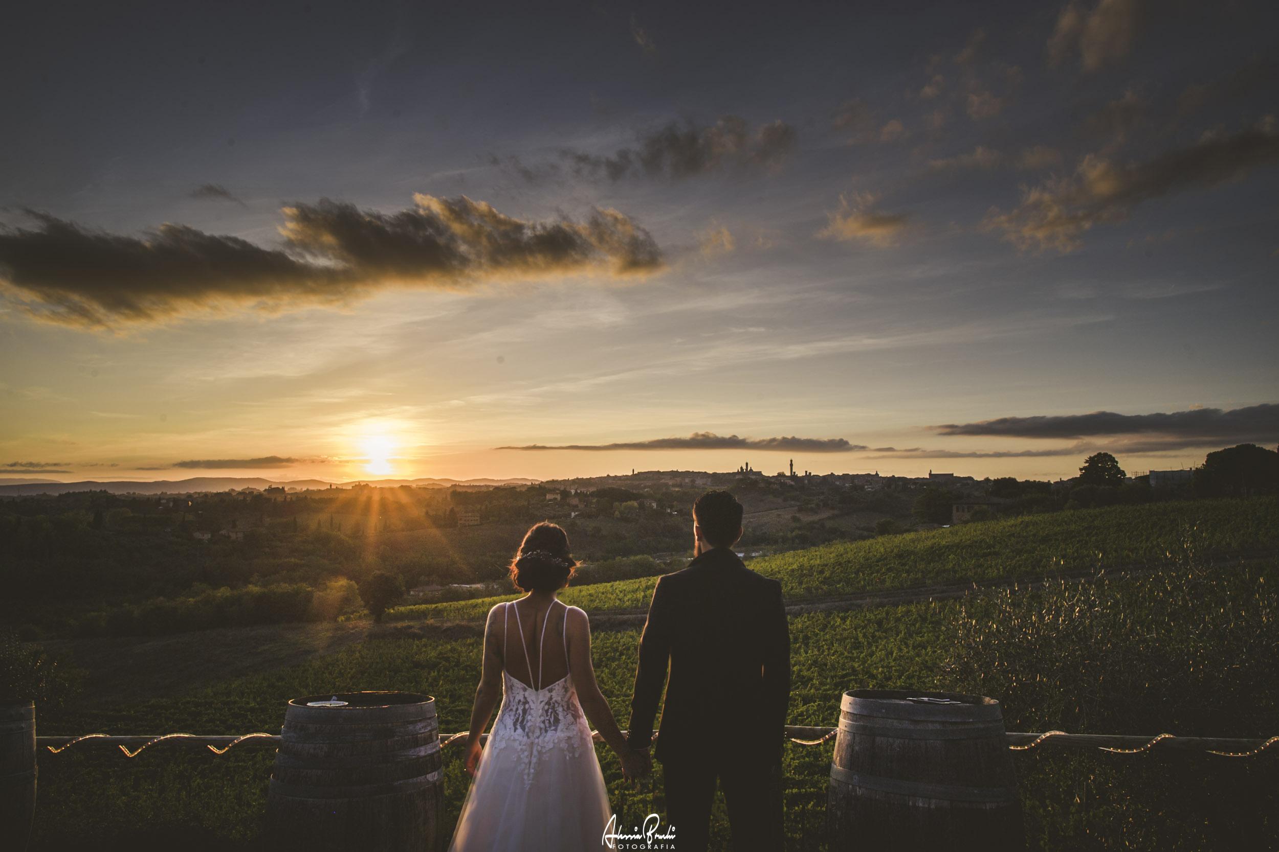 ROMANTIC WEDDING PHOTOSESSION IN CASTEL DI PUGNA SIENA